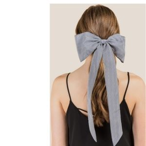Accessories - NWOT Rosemary Pinstripe Bow Hair Tie -Francesca's